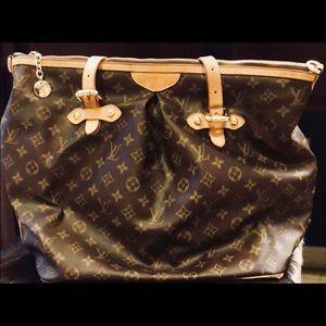 LOUIS VUITTON Paris Over The Shoulder Zipper Bag